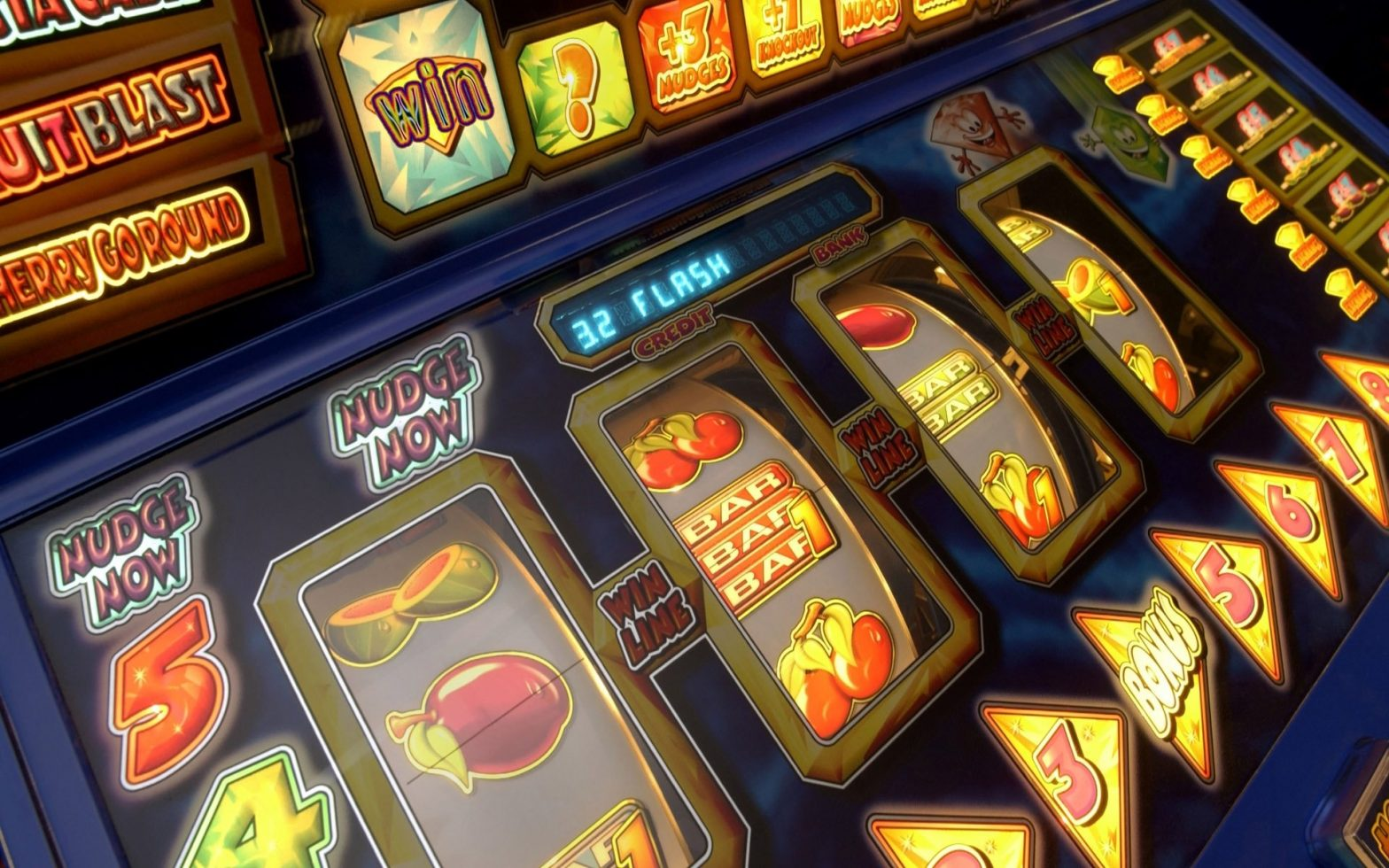Why Some Folks Virtually At all times MakeSave Cash With Casino